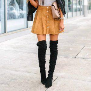 Chicwish mini biege skirt. Size S.